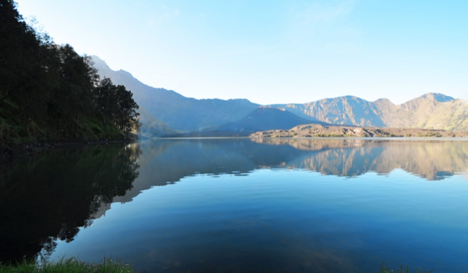 Mount Rinjani Lake