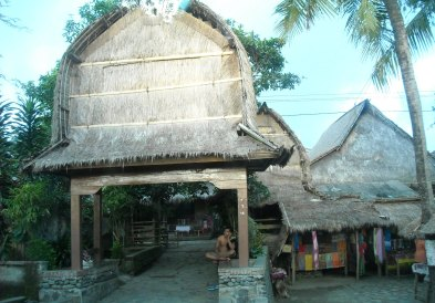 Sasak Traditional House (Sade, Rembitan)