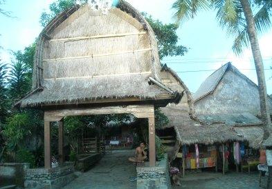 Sasak Traditional House (Sade, Rembitan)